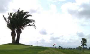 jugar a golf con viento